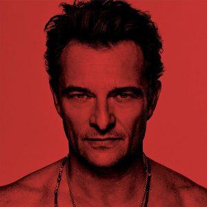 Fond rouge portrait de David Hallyday